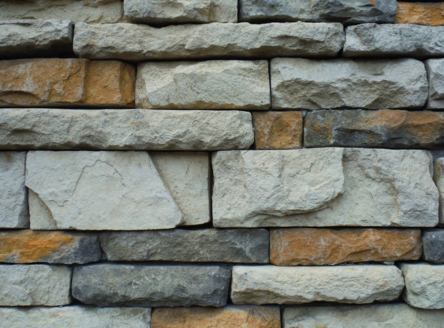 Key Questions to Ask Before Hiring a Stone Masonry Contractor