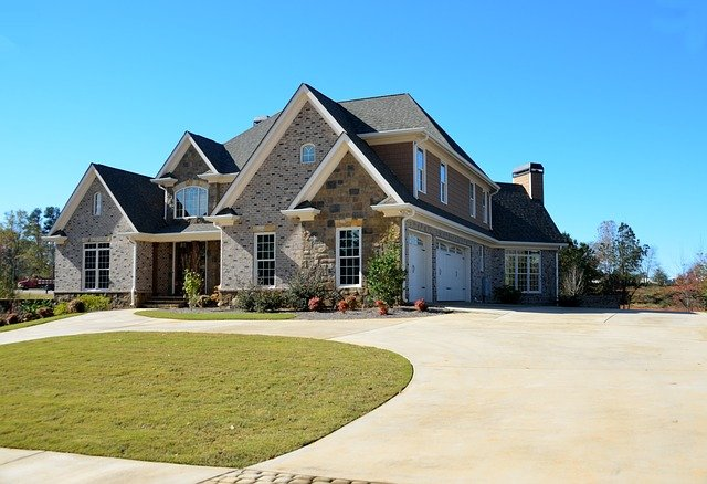 The Benefits of Concrete for Your Residential Driveway